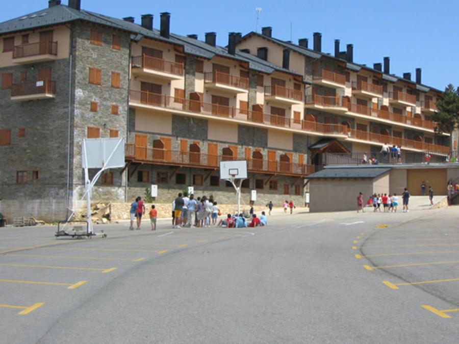 Alberg El Mirador del Port del Compte, municipi de la Coma i la Pedra. Solsonès.