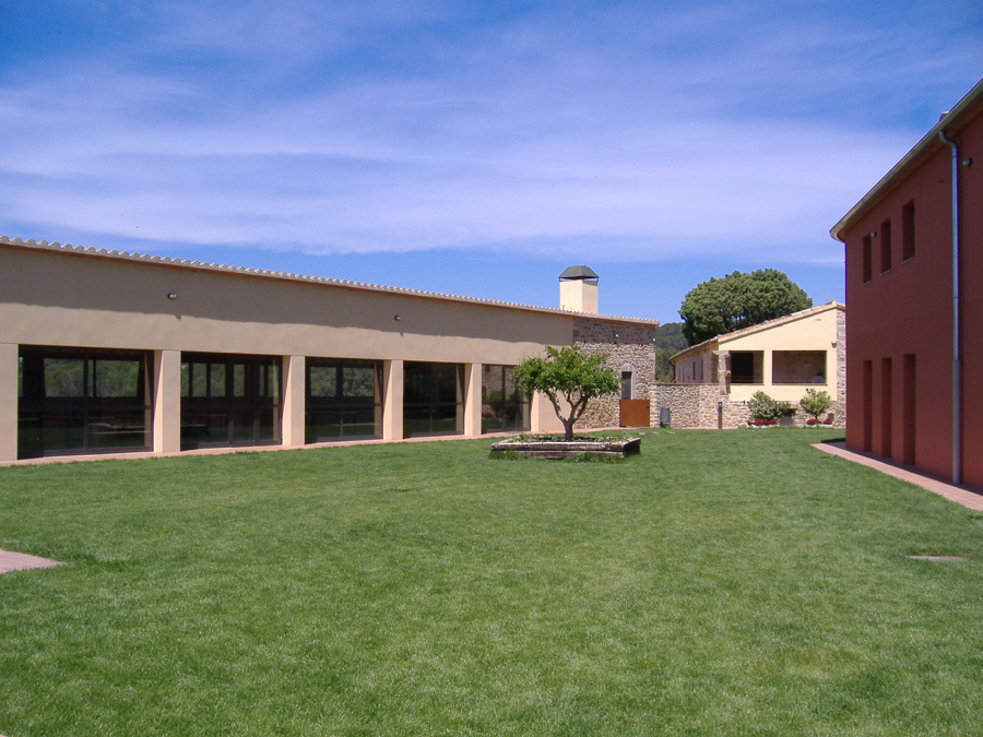 Casa de colònies i Granja Escola El Ginebró de Vilorpiu