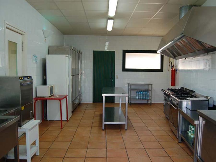 Granja Escola La Perdiu. Casa de Colònies a Cabanes (Alt Empordà)
