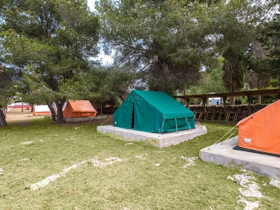 Campament de Biniparratx, Sant Lluís (Illes Balears)