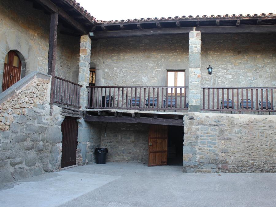 Cal Masover, L'Esquirol (Osona)